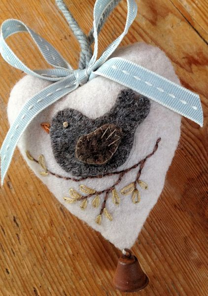 Felt Heart e-pattern as seen in Kindred Stitches Magazine now available via Stitching Cow website