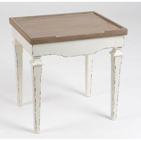 Mały stolik kawowy o kwadratowym brązowym blacie.  Więcej na: www.lawendowykredens.pl