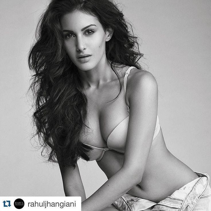 #Repost Photographer @rahuljhangiani with Toabh Talent @amyradastur93 Toabh Hair & Make Up @marcepedrozo @flaviagiumua @toabhmanagement @sangeetasikdarbhatia  #toabhindia #toabhthailand #ToabhTalent #ToabhModel