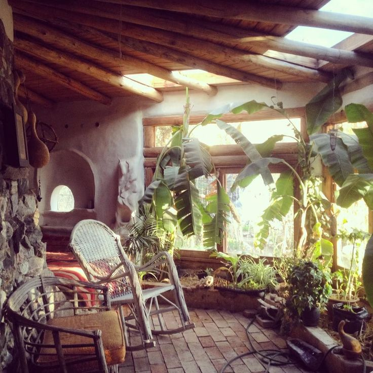Cob house at Shamballa Permaculture.