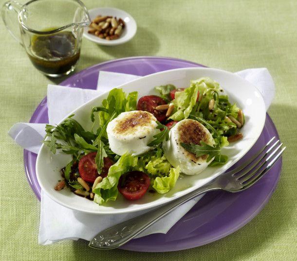 Unser beliebtes Rezept für Gratinierter Ziegenkäse auf Frühlingssalat und mehr als 55.000 weitere kostenlose Rezepte auf LECKER.de.