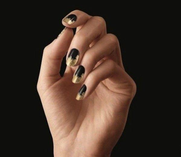 Nail art nera e oro