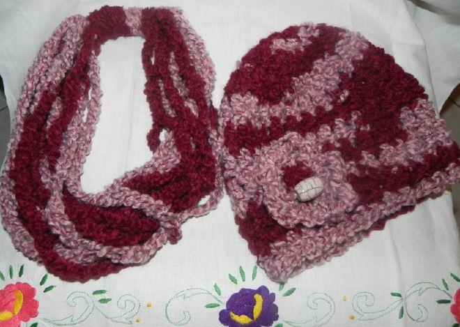 Sciarpa collana e berretto lana bouclè