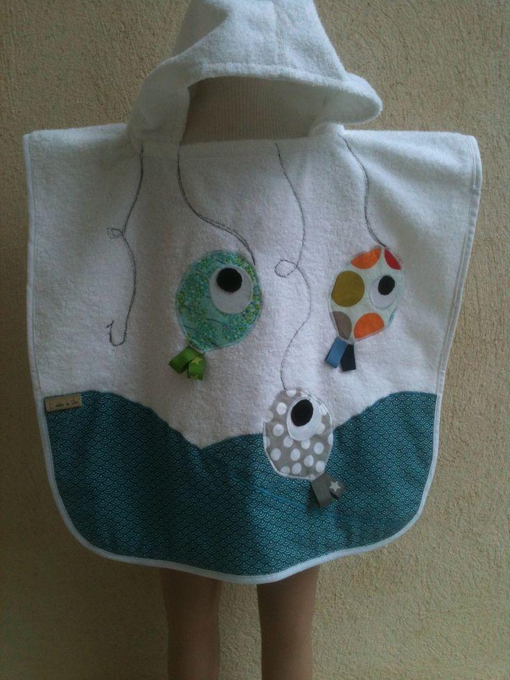 """poncho de bain """"les petits poissons"""" pour bébé : Puériculture par latelierdevero                                                                                                                                                     Plus"""