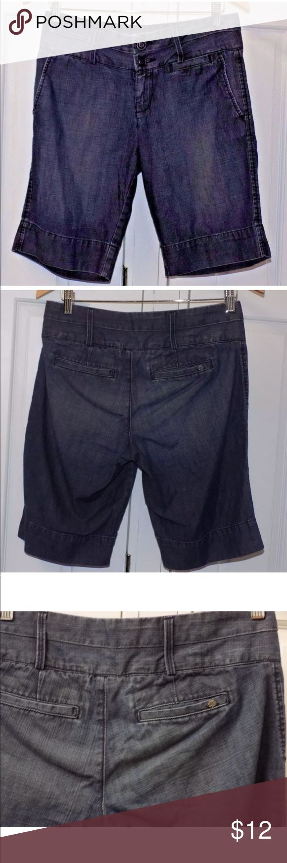 🔴 Lucky Brand Denim Walking Bermuda Shorts Skate Lucky Brand Womens Denim Size 27 Flat Front Walking Bermuda Shorts Skate Beach 100% cotton 2 front pockets & 2 very shallow back pockets. Some wear on the waistband Lucky Brand Shorts Bermudas