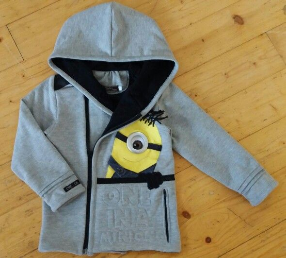 Finally ready!  I had leftover sail ring from my curtains and that gave me idea for this! It's all about details, isn't it ?   Minion-hoodie for my son.  #diy #minion #kätyri #boysfashion #kidsclothes #hoodie #huppari #sewing #sailring