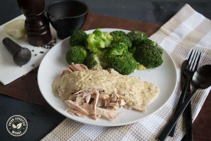 Kip in pepersaus; glutenvrij, lactosevrij, zuivelvrij, koolhydraatarm en zonder E-nummers. Een recept volgens de Paleo-Lifestyle.