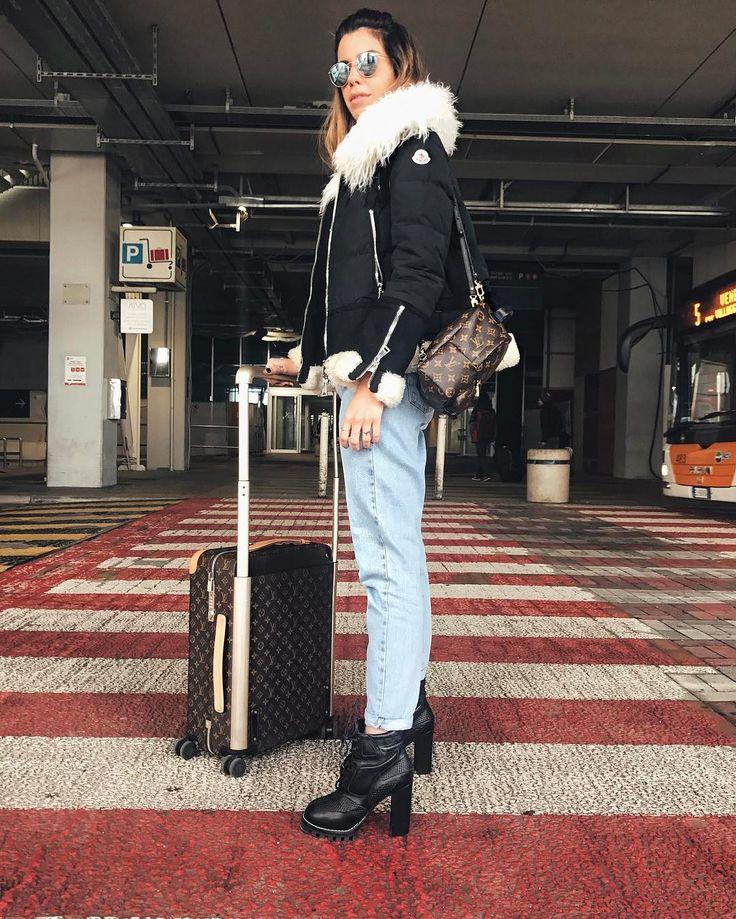"""25.6 mil curtidas, 145 comentários - Camila Coutinho (@camilacoutinho) no Instagram: """"Italy for the day w/ @louisvuitton 🇮🇹 Hoje vamos passar o dia em Fiesso fotografando com a Vuitton!…"""""""