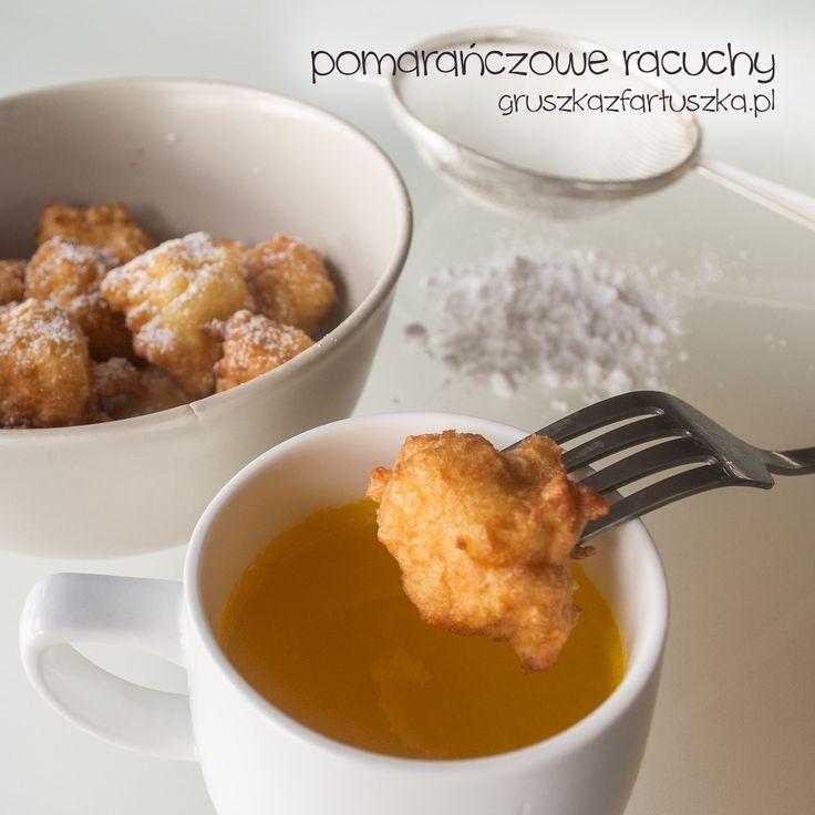 """Przepis z książki """"Kuchnia hiszpańska i portugalska"""" - pomarańczowe racuchy to pomysł na ciekawy deser lub sycące śniadanie."""