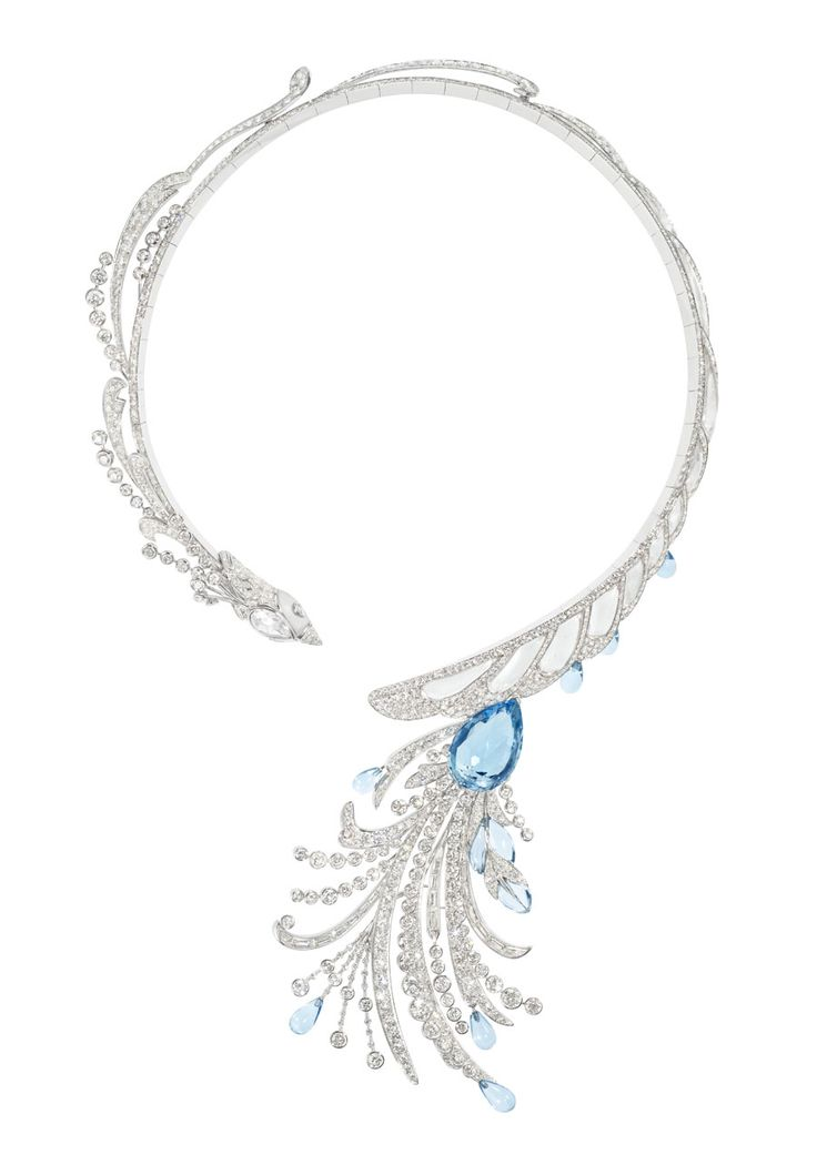 Boucheron Hotel de la Lumière Paon de Lune necklace in white gold, set with white diamonds, rock crystal and aquamarine.