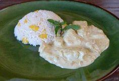 Frango tailandês com arroz de coco com manga