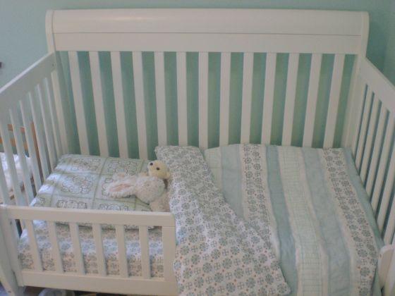 Toddler stripe duvet cover tutorial - DIY toddler duvet cover inspired by Land of Nod toddler bedding
