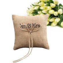 Decoración de la boda Mr & Mrs de Arpillera de Yute Arco Hilo Rústico Almohada Anillo de Bodas 15 cm * 15 cm(China (Mainland))
