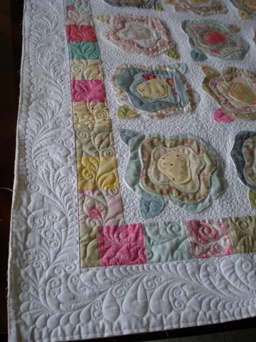 French Rose Quilt - The pattern of the roses is nice, but the quilting is FABULOUS