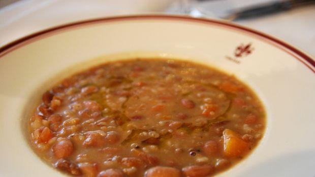 La zuppa di farro e fagioli alla toscana per una minestra autunnale #TuscanyAgriturismoGiratola