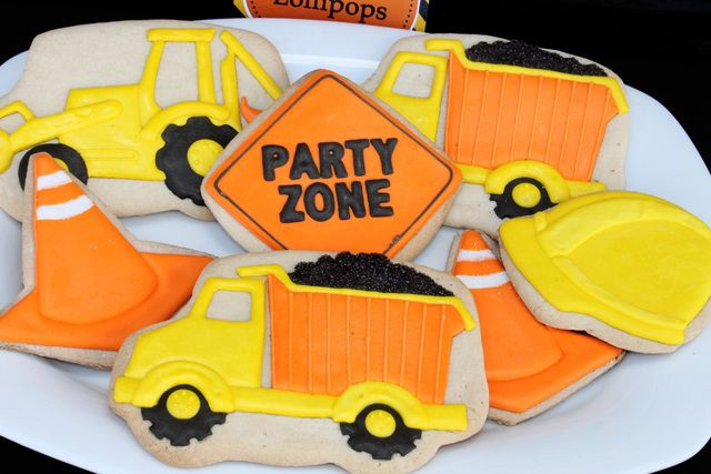 1000 Ideas About Dump Truck Cakes On Pinterest Truck