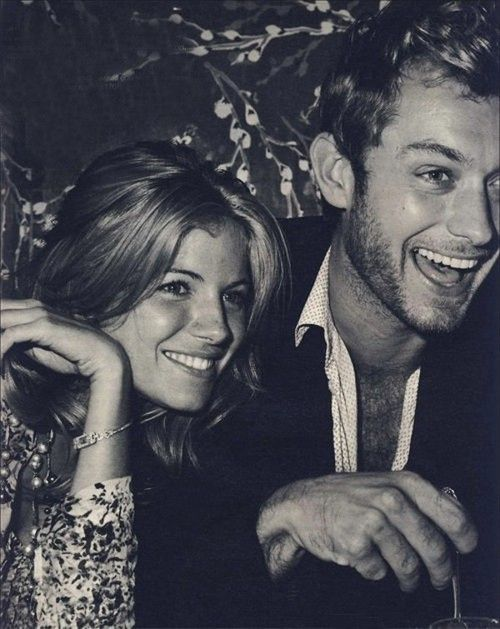 <3Jude Law, Power Couples, Sienna Miller, Judelaw, Couples Photography, Happy Pictures, Couples Pics, Beautiful People, Siennamiller