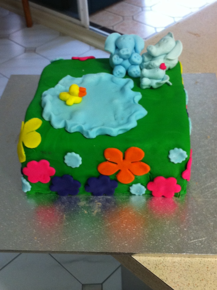 My Daughter's first birthday cake. Sell for $90. feeds 50.