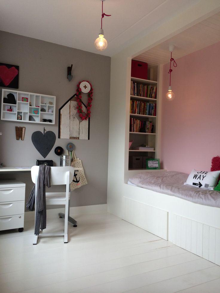 Kleine slaapkamer met slim bed op maat door EDWORK Zwolle!