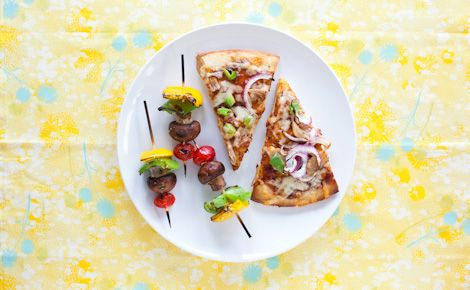 Steak It to Me:  Patio Pizza Night - Epicure's Barbecued Chicken Pizza