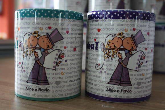 Canecas de lembrança para padrinhos de Casamento, em porcelana, personalizada com impressão de alta qualidade.  - Capacidade: 340 ml - Diâmetro: 8cm - Altura: 9,5cm  Pode ser usada no microondas.