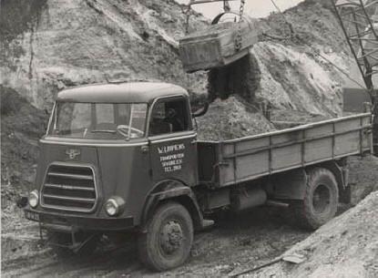 Met dit type reed mijn Vader fabrieks aardappelen uit zuid drenthe en de kop van overijssel naar aardappelmeelfabriek Onder Ons in De Krim (Ov).