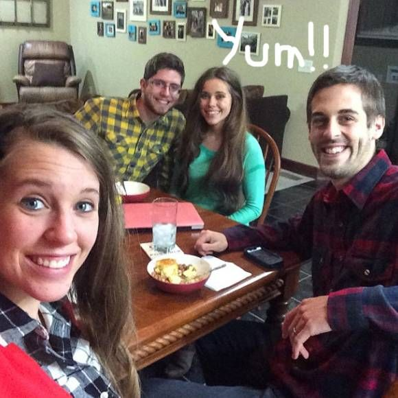 Still Think The Duggar Sisters Are Feuding? This Photo Has Everything Thinking Otherwise!!