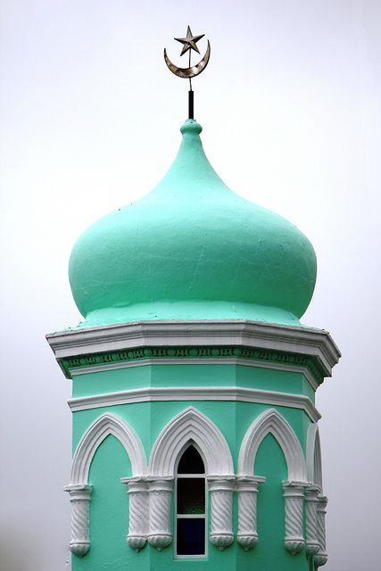 Colors of Cape Town Mosques ::Islamic Arts and Architecture  http://www.travelandtransitions.com/destinations/destination-advice/africa/cape-town-travel-things-todo/
