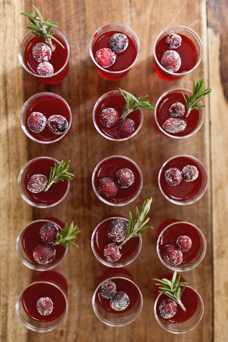 Cranberry Jello Shots (click through for the full recipe!)