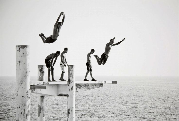 Le Plongeoir French Riviera Photo By Laurent Roch Models - Minimalistic black white photo series captures energetic movements mid air