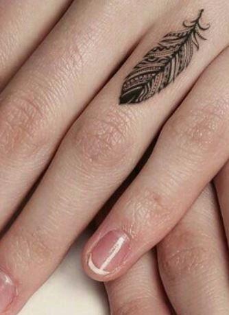Piccoli Tatuaggi Sulle Dita Della Mano 25 Immagini Lei Trendy Adry