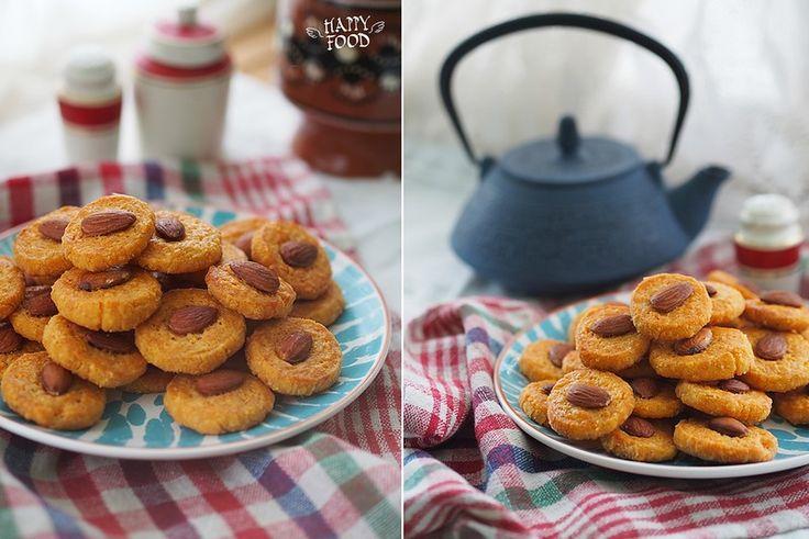 Сырное печенье с миндалем и паприкой - HAPPYFOOD