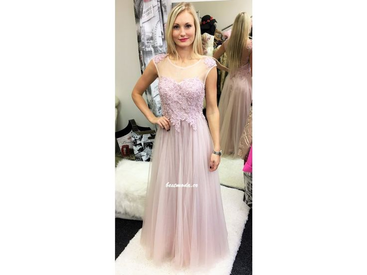 Společenské šaty Christine - Lila, k DODÁNÍ IHNED - Bestmoda - Beautiful princess prom dress in lilac color and lace embroidery along with tiny pearls in stock