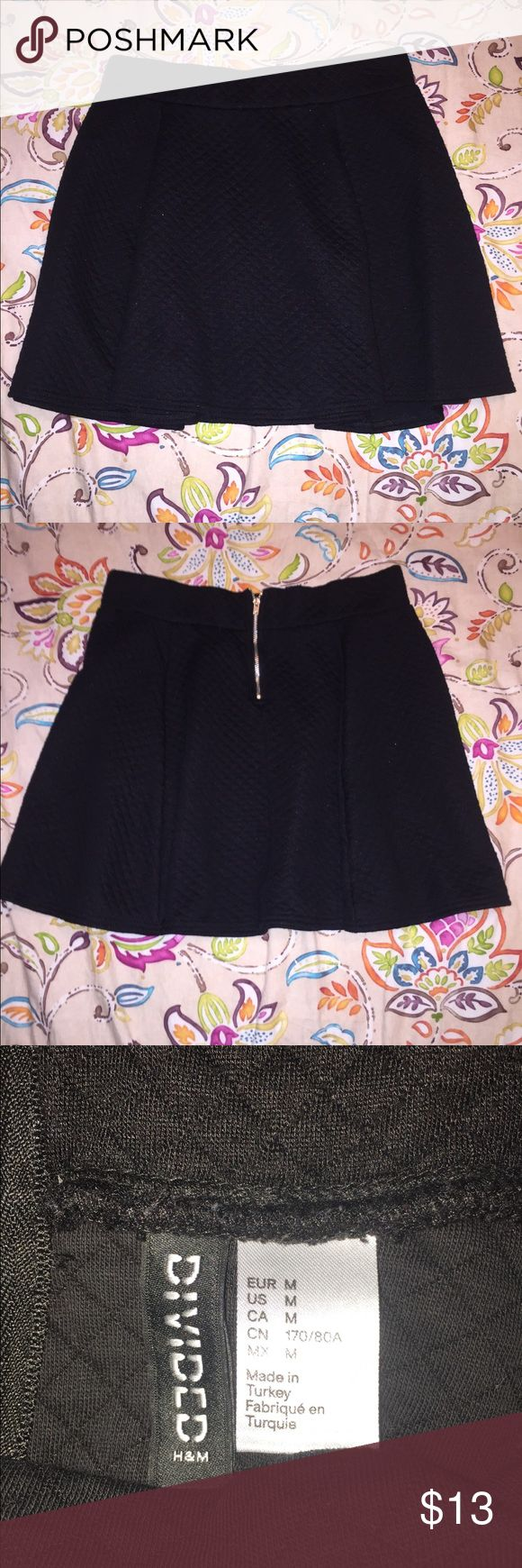 🌟SALE🌟Black Flowy Skirt Cute Divided Black Flowy, skater girl Skirt... Great quality material.. Super cute with converse, heels or even wedges!! Worn twice max, great condition... Bundle with other items, and enjoy savings!! Divided Skirts Circle & Skater