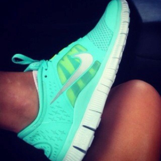 WANT NOWWW: Running Shoes, Fashion, Nikes Shoes, Tiffany Blue, Neon Nikes, Styles, Nike Shoes, Nike Free Runs, Nikes Free Running