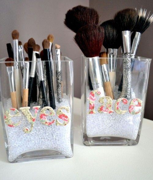 Pretty and practical; great way to organise your make up brushes and keep them looking pretty!