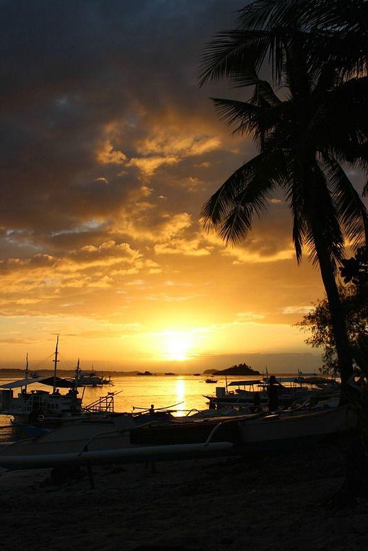 Malapascua Island sunset |  The World on my Necklace