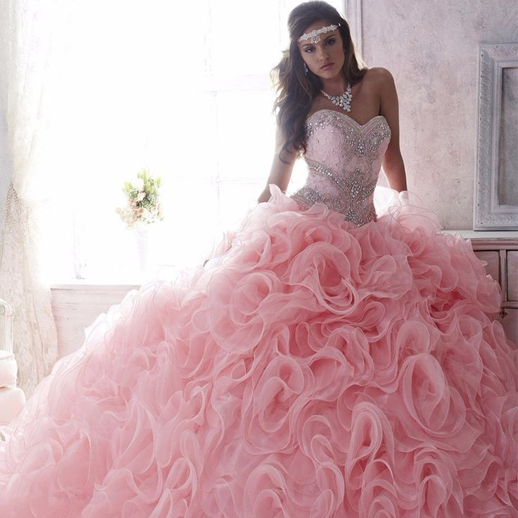 Les 319 meilleures images du tableau colored wedding for How much is a custom wedding dress