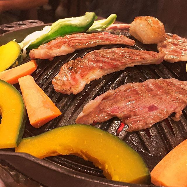 じんぎすかん🐑 #ジンギスカン#ラム肉#焼肉 #foodstagram #foodporn #肉 #meat#北海道 #北海道旅行