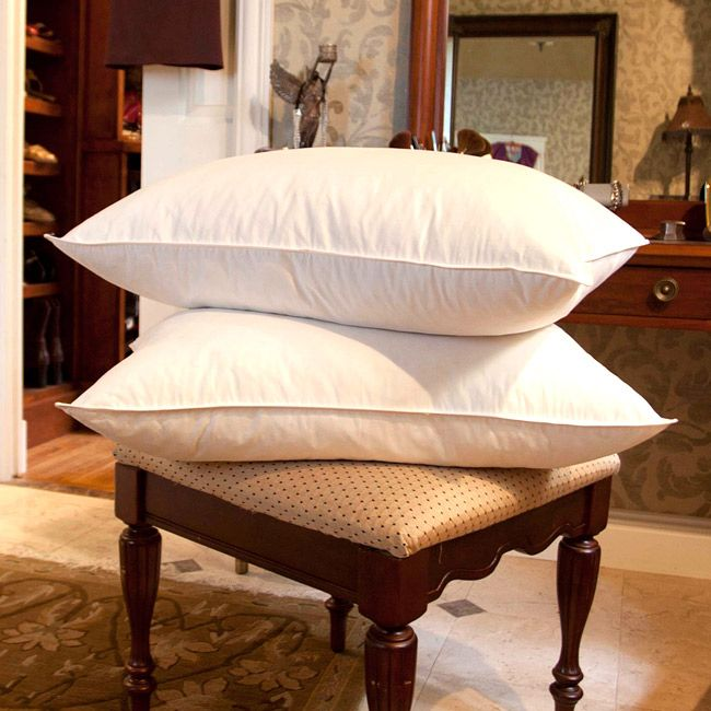 Provide your head with the support you need while you sleep with these plush goose feather pillows. The pillows are hypoallergenic, which is perfect for those with allergies, and the cambric-weave fabric helps prevent the feathers from poking through.