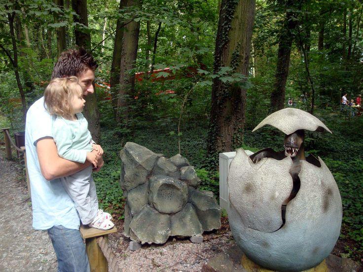 Spacer po wydmach, wizyta w parku dinozaurów czy wypoczynek wśród jezior - mamy kilka propozycji wycieczek z dziećmi po Pomorzu na długi weekend majowy.