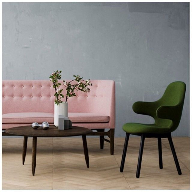 We have a sore spot for this rose mayor sofa from #http://decdesignecasa.blogspot.it/