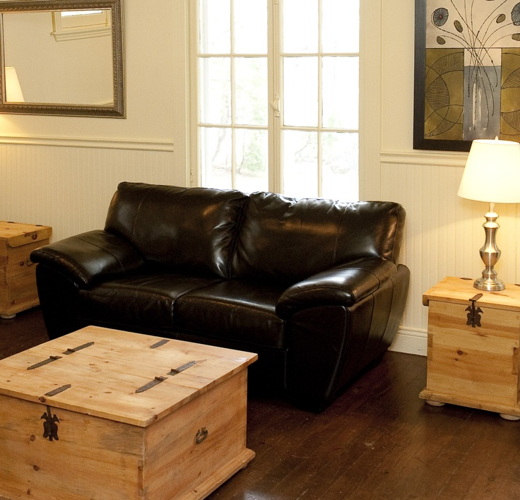 Salon de la Maison de L'Enclos pouvant être aménagé en salle de conférence pour vos réunions d'affaires.