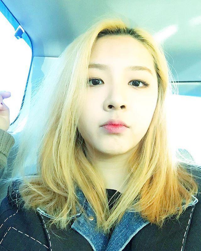 jiwoo IG: 콧구멍자랑  이라고 올리면 내 콧구멍만 보이겠지?
