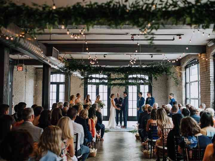 19 Stunning Industrial Chic Wedding Venues In Toronto Hashtags Industrial Chic Hochzeit In 2020 Hochzeitsdekoration Hochzeitlocations Hochzeit Zeremonie