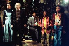 *EMMA (Diana Walters), EZRA (Wallace Shawn), JIM (Eddie Murphy), MICHAEL (Marc John Jefferies) & MEGAN (Aree Davis) ~ The Haunted Mansion, 2003