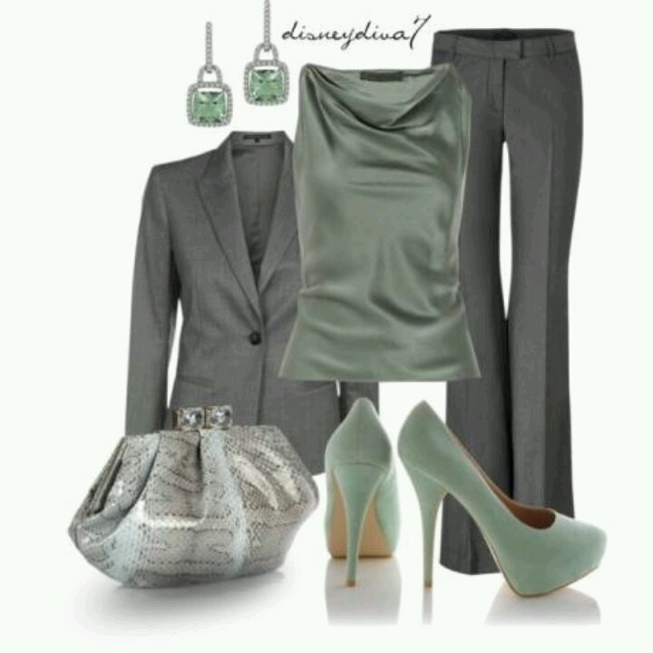 ooooh love it! Especially the blouse, but I really love every bit of this outfit