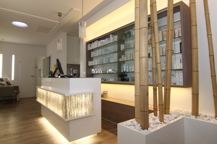 Perfect Kosmetikstudio Einrichtung Praxiseinrichtung Apothekeneinrichtung Artzpraxis Einrichtungsideen Pinterest Salons Spa and Studio
