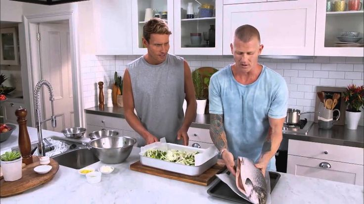 Resident foodies Luke Hines and Scott Gooding focus on food to help keep your family healthy. This week's recipe is a fantastic recipe for beautiful insides - whole baked salmon.