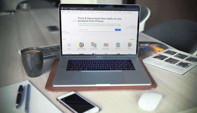 10 Realistic Free Macbook Mockups Mockuplove Macbook Mockup Macbook Macbook Colors